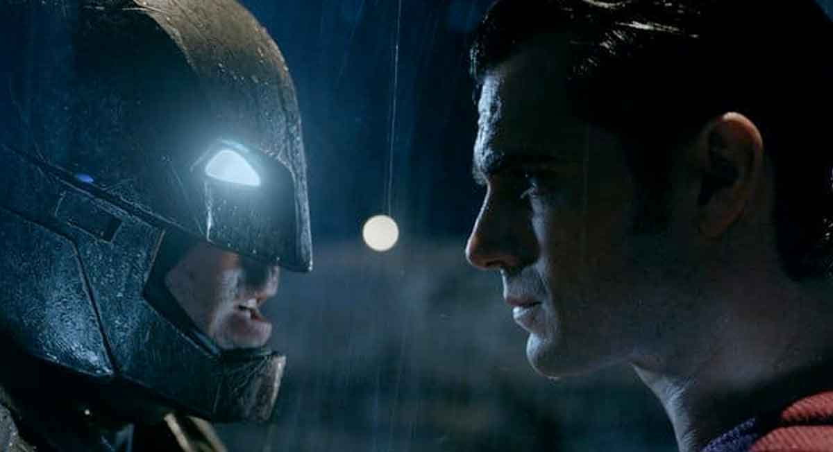 Batman v Superman'den Yeni Trailer Geldi
