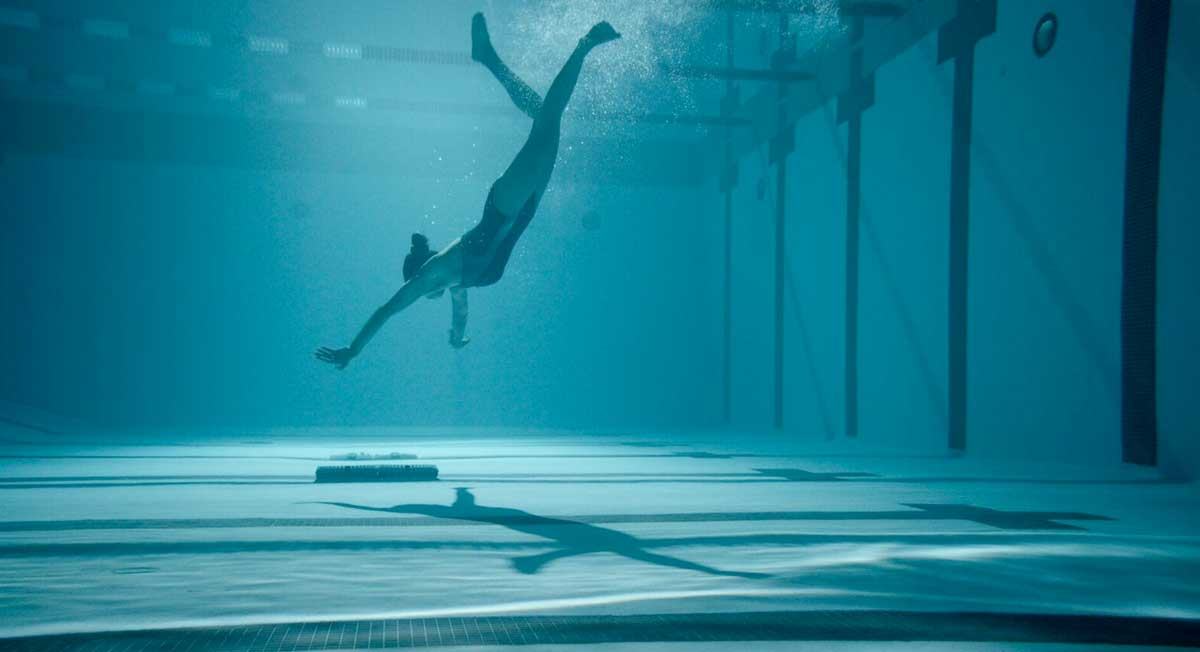12 Feet Deep (2017) - Film İncelemesi